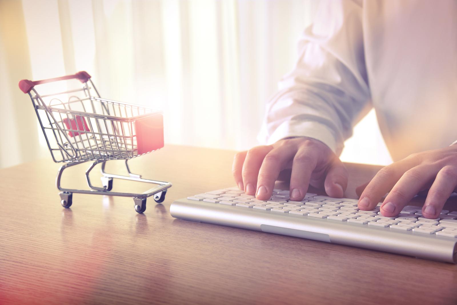 db505e8a1b88 Crecen 6,1% las ventas por internet y caen 14% en locales al público ...